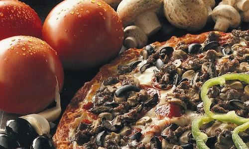 pietros pizza with veggies